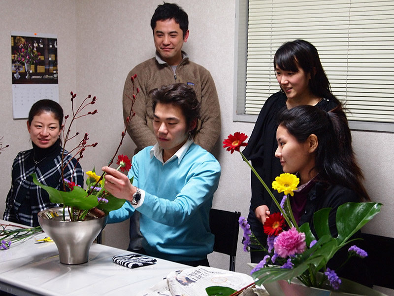Daiji Miura from Japan with students